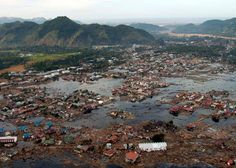 TSUNAMI IN SUMATRA On December 26, 2004, at 7:58 a.m, a huge earthquake in coast  sumatra [indonesia]. The tsunami killed about 216,000 people. The earthquake that caused the 2004 tsunami was one of the worst Tsunami ever recorded. Latisha