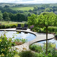 Ian Kitson Landscape architect, natural swimming pool with fluid dock design. That view helps too. Deck Design, Landscape Design, Garden Design, Pond Design, Pool Water Features, Water Features In The Garden, Natural Swimming Ponds, Swimming Pools, Natural Pools