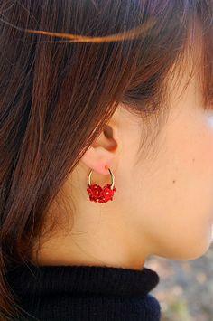 赤【Red】フラワーレザーピアス