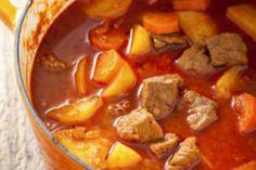 Varivo od krumpira, mesa i mrkve - Jutarnji List Croatian Recipes, Hungarian Recipes, Hungarian Food, Soup Recipes, Dinner Recipes, National Dish, Chana Masala, Pot Roast, Meal Prep