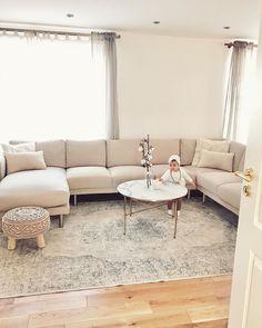 """Diyan   &   Liva on Instagram: """"So sieht unsere Couch mit den neuen beigen Bezügen aus - ich bin so happy und zufrieden, da ich jetzt nicht mehr fast wöchentlich die…"""" Couch, Living Room Grey, Instagram, Furniture, Home Decor, Houses, Settee, Decoration Home, Sofa"""