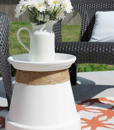 Spruce up your backyard on a budget with these cheap and easy DIY backyard ideas. From patio ideas to landscaping ideas, there are plenty of DIY projects to choose from that are guaranteed to work for big and small yards. Diy Patio, Backyard Patio, Backyard Landscaping, Patio Ideas, Backyard Ideas, Landscaping Ideas, Large Backyard, Small Patio, Small Yards