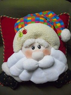 Adorno Christmas Decorations To Make, Christmas Holidays, Merry Christmas, Xmas, Christmas Ornaments, Holiday Decor, Felt Crafts, Fabric Crafts, Diy And Crafts