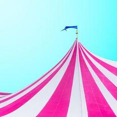 #candyminimal #emojisinthewild circus by mattcrump