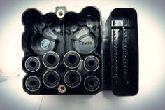 Unidad de control ABS para vehículos con regulación antipatinaje en la aceleración, aplicable en Volkswagen BORA, GOLF, NEW BEETLE.  http://articulo.mercadolibre.com.ve/MLV-417427600-1c0907375l-unidad-de-control-abs-vw-bora-golf-new-beetle-_JM