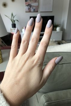 Discover new and inspirational nail art for your short nail designs. Minimalist Nails, Perfect Nails, Gorgeous Nails, Nail Manicure, Gel Nails, Toenails, Cute Nails, Pretty Nails, Short Nail Designs