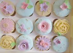 Students cupcakes from a shabby chic class