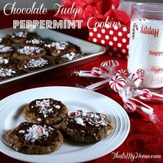 Chocolate Fudge Peppermint Cookies are deep chocolate cookies with a fudgy chocolate frosting and topped with crushed peppermint candies. Chocolate Peppermint Cookies, Chocolate Fudge, Peppermint Sticks, Chocolate Frosting, Cooking Chocolate, Sugar Cookies Recipe, Cookie Recipes, Dessert Recipes, Yummy Cookies