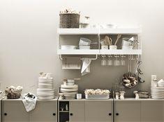 Living room? Kitchen? Or both?⭐ Scandinavian Shelves, Scandinavian Furniture, Scandinavian Design, Built In Shelves, Metal Shelves, Storage Shelves, Shelving Solutions, Shelving Systems, String System