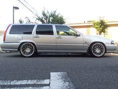 volvo v70 Volvo V70r, Volvo Wagon, Volvo Cars, Station Wagon, Car Manufacturers, Old School, Dream Cars, Wheels, Vintage