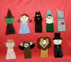 Wizard of Oz finger puppets. Add a little house and you have an excellent Christmas gift!
