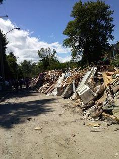 Bowness wall of debris #yycflood