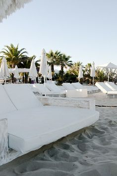 outdoor beach bar seating