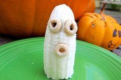 A Healthy Halloween Snack via @Snack Girl // #Banana #Snack #Halloween