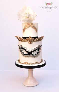 Carnival Cakers Collaboration - Black & Gold Carnivale by Meadowsweet Cakes Masquerade Cakes, Sweet 16 Masquerade, Masquerade Theme, Masquerade Wedding, Pretty Cakes, Beautiful Cakes, Amazing Cakes, Carnival Cakes, Cake Wrecks