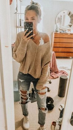 Casual outfits for high school 60 best outfits 2 litledress Fall Outfits Casual high Litledress outfits School Outfit Jeans, Outfit Chic, Cute Ripped Jeans Outfit, Skinny Jeans, Skinny Jean Outfits, Sweater And Jeans Outfit, Jeans Outfit Winter, Ootd Winter, Casual Winter