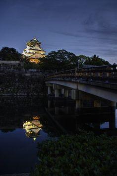 Night Castle | Osaka | Japan | Photo By Azul Obscura