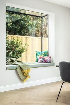 Oriel window, home extension glass window seat. Garden Room Extensions, House Extensions, Küchen Design, House Design, Interior Design, House Extension Design, 1930s House Extension, Glass Extension, Window Seat Kitchen