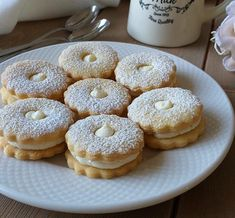 6333 Small Desserts, Sweet Desserts, Dessert Recipes, Biscuit Cookies, Biscuit Recipe, Christmas Sweets, Christmas Baking, Czech Recipes, Italian Cookies