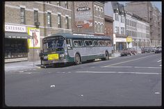 Metropolitan Transportation Authority, New York City Pictures, Bus City, Snow Cones, Vintage New York, Bus Stop, World's Fair, Scale Models, Old And New