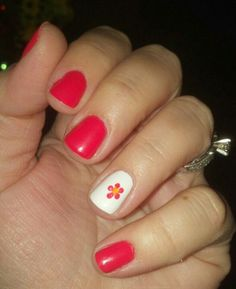Coral with flower accent nail - SPRING!