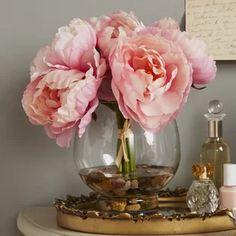 Willa Arlo Interiors Hydrangea and Rose Floral Arrangement in Glass Vase Hydrangea Vase, Peonies And Hydrangeas, Hydrangea Arrangements, Hydrangea Not Blooming, Beautiful Flower Arrangements, Floral Centerpieces, Vases Decor, Beautiful Flowers, Peony Arrangement