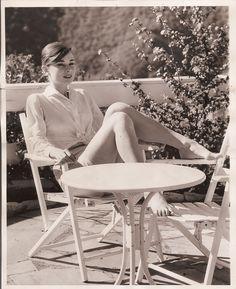 Audrey Hepburn - Imgur