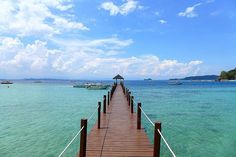 Just out of Kota Kinabalu City are a cluster of islands known as the Tungku Abdul Rahman Marine Park or TAR Park.  It is here that you will find the popular Manukan Mamutik Sapi Sulug & Gaya Islands. This throwback photo was take from one of the jetties o