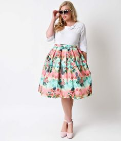 Give your winter skirts a vacation! The Plus Size Peacock Skirt from Hell Bunny is a 1950s circle skirt style that's vibrant, vintage and irresistibly rockabilly! A banded high waist cinches and slims at the natural waist, while a knife pleated full circl