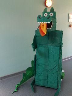 dragon en carton pour notre spectacle sur le moyen âge Le Morse, Dragons, Spectacle, Dinosaur Stuffed Animal, Toys, Animals, Carnival, Fun Activities, Time Travel