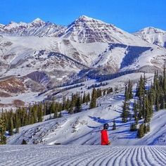 It's a #bluebird day here on the slopes of #crestedbutte. Teocalli Mountain is looking very majestic. #onlyincrestedbutte #skicb #ridecb Great capture from @gimmearaise at @travelcrestedbutte