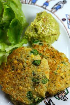 Galettes de quinoa & lentilles corail ✪ _/\_ ○○○❥ڿڰۣ-- […] ●♆●❁ڿڰۣ❁ ஜℓvஜ ♡❃∘✤ ॐ♥.♢∘❃♦♡❊** Have a Nice Day! Vegan Enchiladas, Veggie Recipes, Vegetarian Recipes, Healthy Recipes, Healthy Cooking, Healthy Eating, Cooking Recipes, 21 Day Fix, Good Food