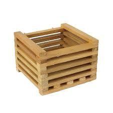 Resultado de imagem para cachepot de madeira Wooden Planter Boxes, Pallet House, Wooden Crafts, Wood Pallets, Wood Projects, Pots, Woodworking, Storage, Outdoor Decor