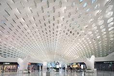 深圳T3机场候机楼室内   - Interior of Shenzhen Airport T3