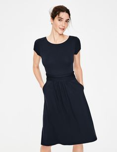 Amelie Jersey Dress Day Dresses at Boden Casual Day Dresses, Dresses For Work, Bodies, Clothes 2019, Bleu Marine, Shirts For Girls, What To Wear, Style Inspiration, Couture