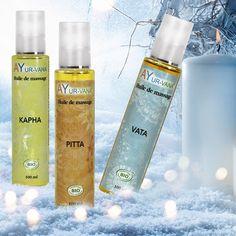 Pratiqué quotidiennement, le massage accélère la régénération des cellules et l'élimination des déchets et des toxines.  Les huiles de massage s'utilisent de préférence tiède sur l'ensemble du corps pour un massage de type Abhyanga (pieds, mains, colonne vertébrale, plexus solaire, etc) mais également sur le visage et dans le cadre d'un bain d'huile ou d'un massage crânien. Ayurveda, Voss Bottle, Water Bottle, Plexus Solaire, Barware, Cocktails, Benefits Of Massage, Massage Oil, Cocktail