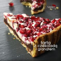 TARTA Z CZEKOLADĄ I GRANATEM Sweet Recipes, Cake Recipes, Alcohol Drink Recipes, My Dessert, Sweet Tarts, Coffee Cake, Delicious Desserts, Food And Drink, Cooking Recipes