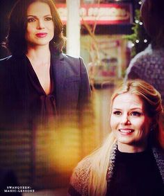 Once upon a time - Jennifer Morrison - Emma Swan - OUAT - Lana Parrilla… Ouat, Regina Mills, Jennifer Morrison, Emma Swan, Once Upon A Time, Regina And Emma, Finally Happy, Queen Love, Swan Queen