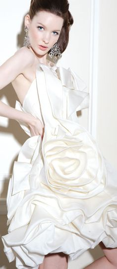 Wedding Dress Photos - Find the perfect wedding dress pictures and wedding gown photos at WeddingWire. Browse through thousands of photos of wedding dresses. Perfect Wedding Dress, One Shoulder Wedding Dress, Beautiful Gowns, Beautiful Outfits, Bridal Gowns, Wedding Gowns, Chic Wedding, Bridal Reflections, Wedding Dress Pictures