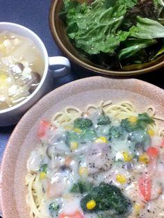 パスタとスープとサラダ!!寒い日にはシチューだねぇ - 0件のもぐもぐ - クリームシチューパスタ by amaruri02