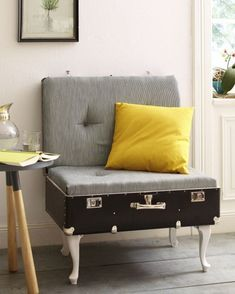 Love this DIY suitcase chair! Love this DIY suitcase chair! Repurposed Furniture, Diy Furniture, Vintage Furniture, Modern Furniture, Furniture Chairs, Accent Furniture, Suitcase Chair, Casa Pop, Diy Casa