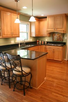 maple cabinets paint color for walls Kitchen w Maple Cabinets