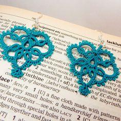 teal lace earrings  lace making, kantklossen, spitzen, klöppeln