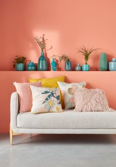 Coral Living Rooms, Living Room Decor, Bedroom Decor, Bedroom Wall Colors, Room Colors, Deco Rose, Studio Room, Living Room Designs, Interior Design