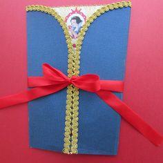 Convite Branca de Neve, papel texturizado formato corpete