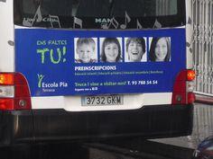 He vist l'autobús la foto l'he fet a la parada de la carretera de Montcada entre el carrer Avinyó i el passatge Comerma.   Taya Peréz