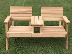 60 Awesome DIY Pallet Garden Bench and Storage Design Ideas - doityourzelf Garden Furniture Design, Pallet Garden Furniture, Diy Outdoor Furniture, Diy Furniture Plans, Furniture Projects, Rustic Furniture, Outdoor Decor, Antique Furniture, Furniture Storage