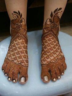Modern Henna Mehndi Designs For Legs - Indian Fashion Ideas Wedding Henna Designs, Latest Arabic Mehndi Designs, Mehndi Designs Feet, Legs Mehndi Design, Mehndi Designs Book, Latest Bridal Mehndi Designs, Mehndi Designs 2018, Mehndi Designs For Girls, Unique Mehndi Designs