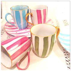 Image of tazas y platos pintados a mano