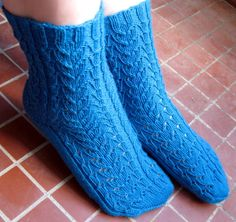 Ravelry: Kurjenkello pattern by Salma Pohjola Knitting Socks, Knit Socks, Needles Sizes, One Color, Colour, Yarn Colors, Leg Warmers, Mittens, Ravelry